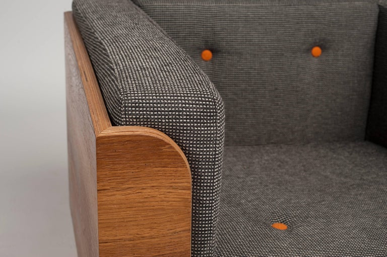 Hand-Crafted Big Biscuit Lounge Chair, Hand veneered plywood in old oak with grey cushions For Sale