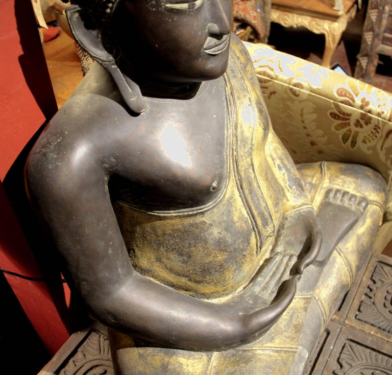 Buddha in Bronze Black Gold, Thailand In Excellent Condition For Sale In Carmel Valley, CA