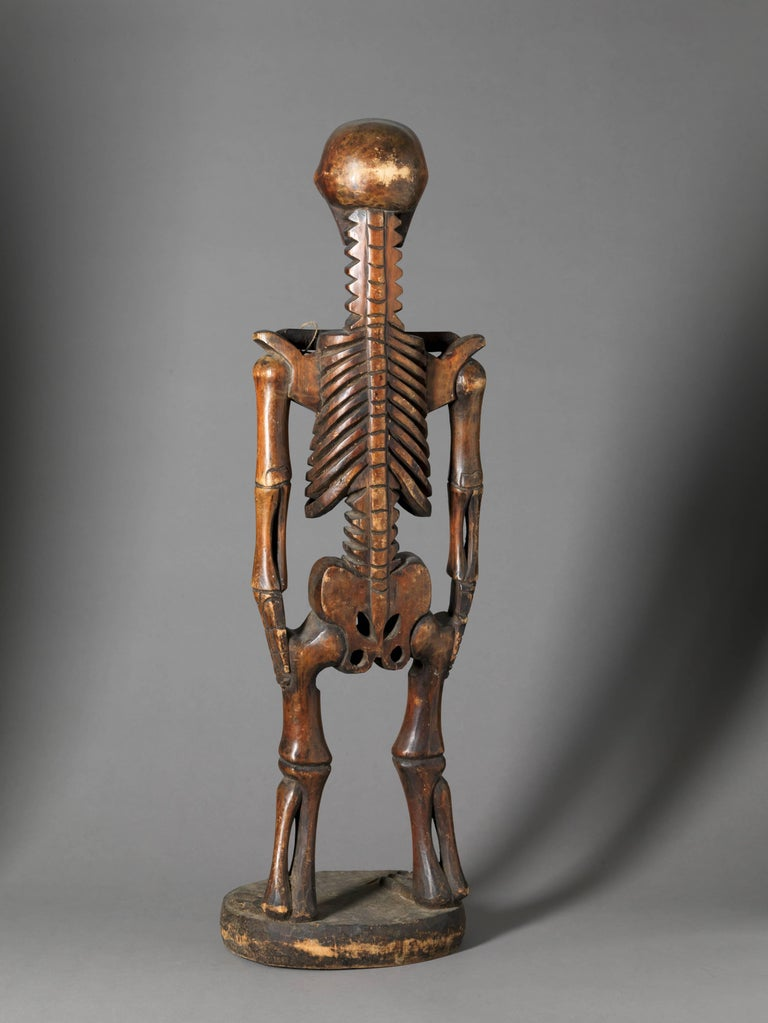Carved Wooden  Mexican Dia de los Muertos Skeleton Sculpture in Standing Position For Sale