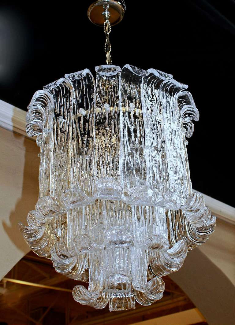 Italian Murano Mazzega Clear Textered Glass Chandelier For Sale