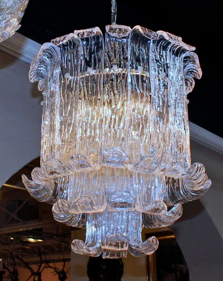 Murano Mazzega Clear Textered Glass Chandelier In Excellent Condition For Sale In Dallas, TX