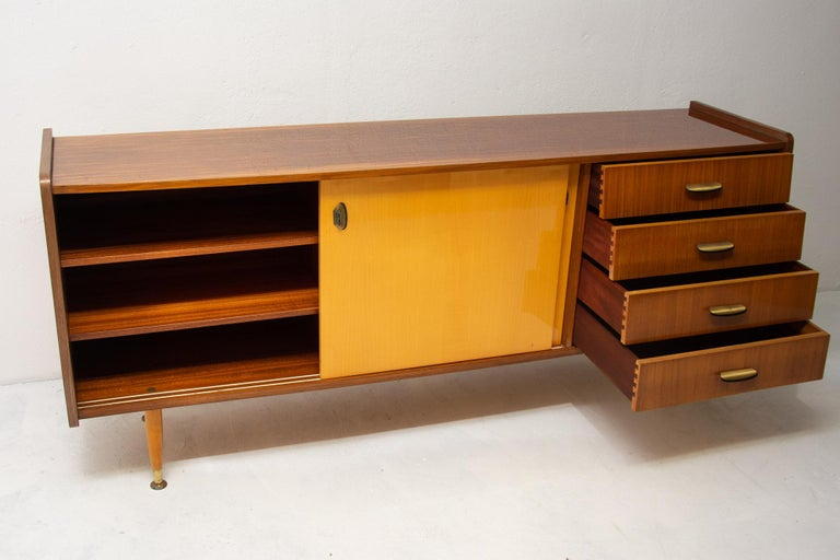 Italian Midcentury Mahogany Sideboard from the 1960s For Sale 1