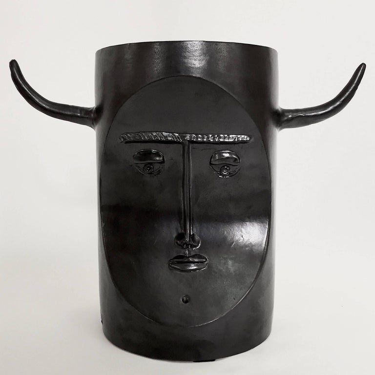 Robert and Jean Cloutier, Ceramic Bull Sculpture Glazed in Black In Excellent Condition For Sale In Paris, FR