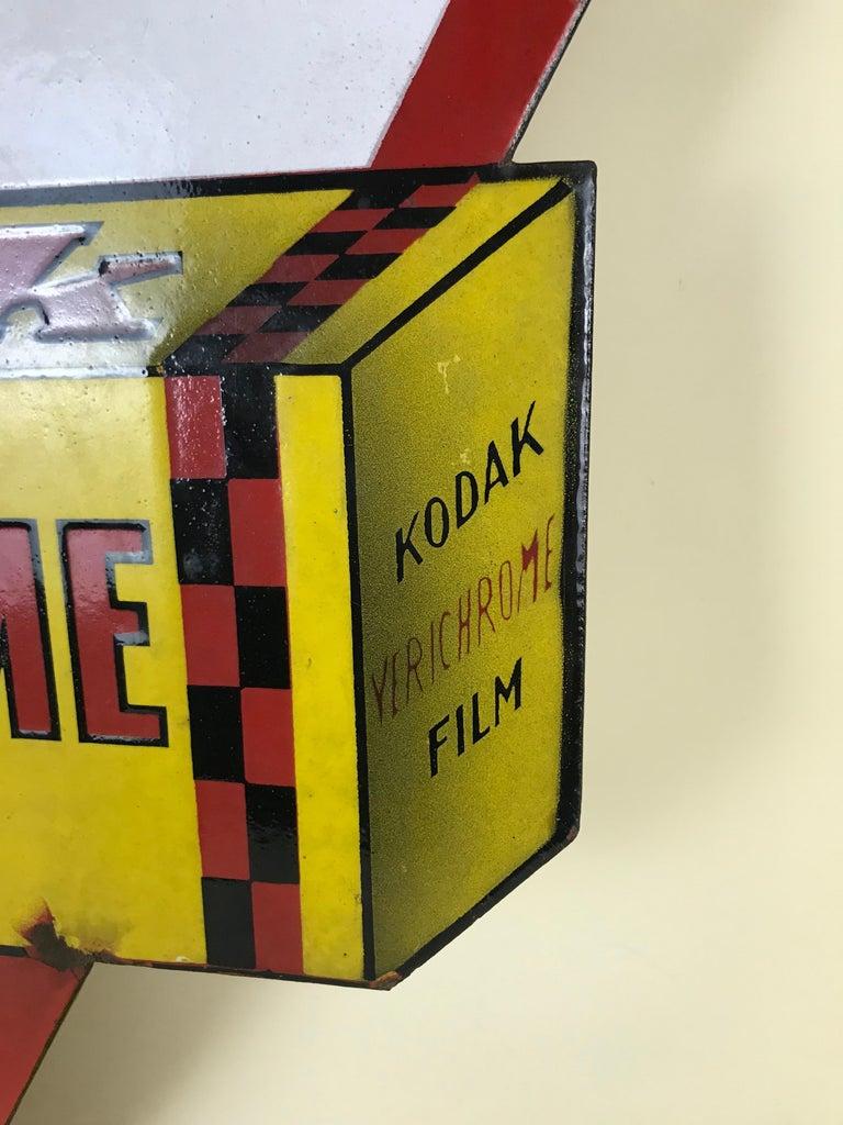 1940s Vintage Double-Sided Triangular French Metal Enamel Kodaks Sign For Sale 5