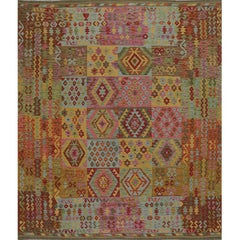 Traditional Handwoven Turkish Kilim Rug - 108821