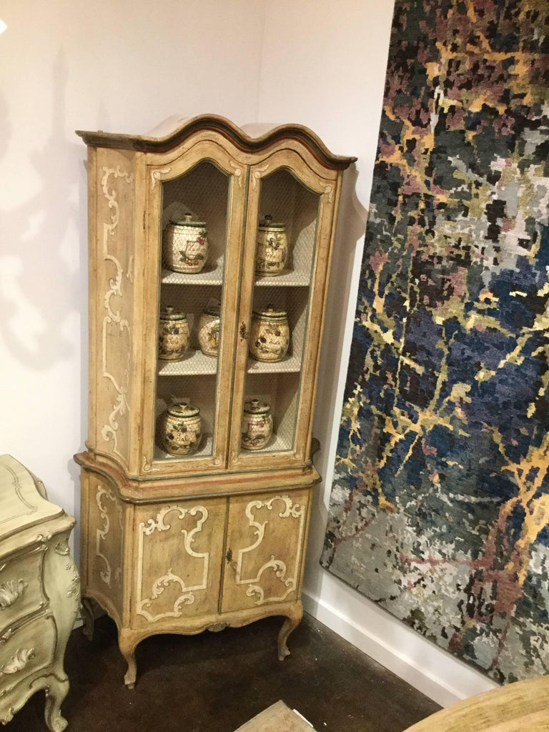 Hand-Painted Tall French Country Cabinet with Four Doors - FREE LOCAL DELIVERY For Sale 3