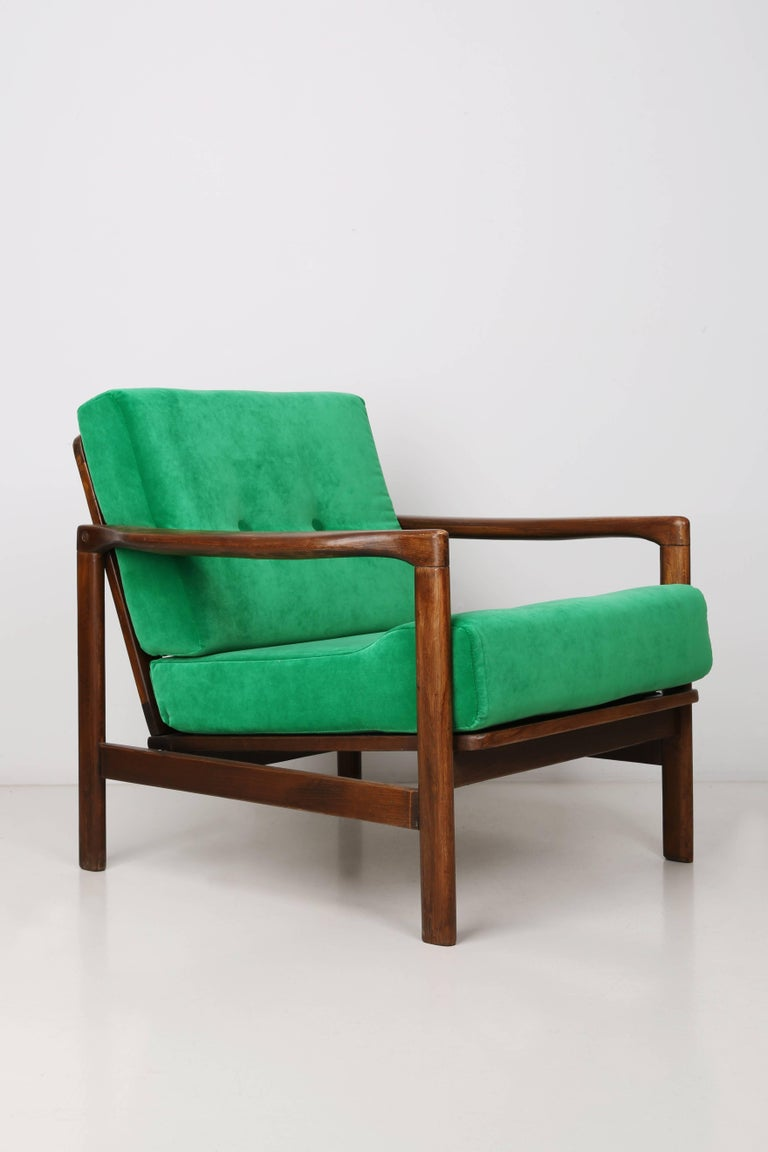 The B-7522 armchair was designed in the 1960s by Zenon Baczyk, it was produced by Swarzedz Furniture Factories in Poland. Furniture kept in perfect condition, after full upholstery renovation with refreshed woodwork. Stabile and very comfortable