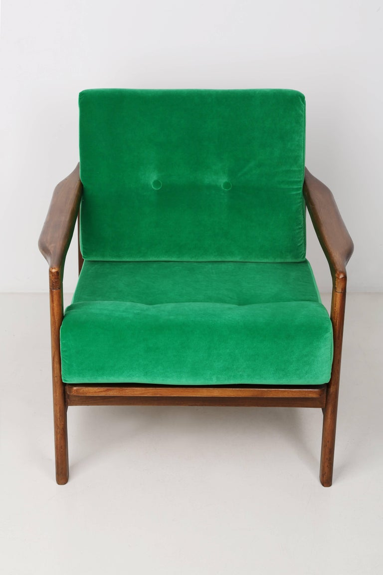 Mid-Century Modern B-7522 Armchair, Poland, 1960s For Sale