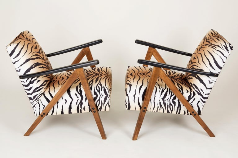 Hand-Crafted Set of Two Mid-Century Modern Tiger Print Armchairs, 1960s, Germany For Sale
