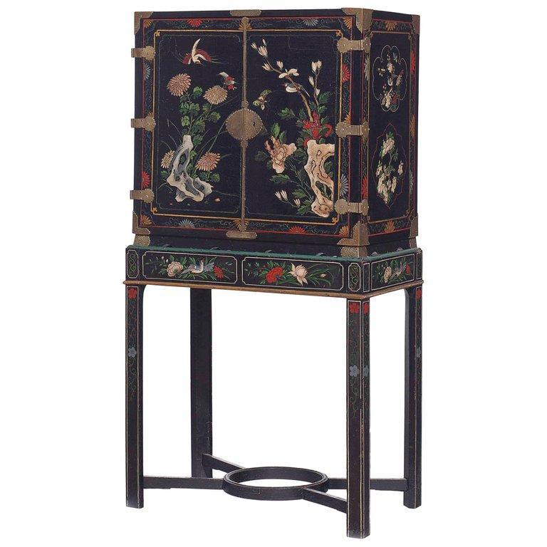 18th Century Black Lacquered Brass and Chinese Coromandel Cabinet on Stand For Sale