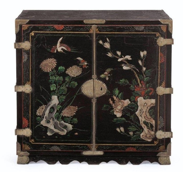 George II 18th Century Black Lacquered Brass and Chinese Coromandel Cabinet on Stand For Sale