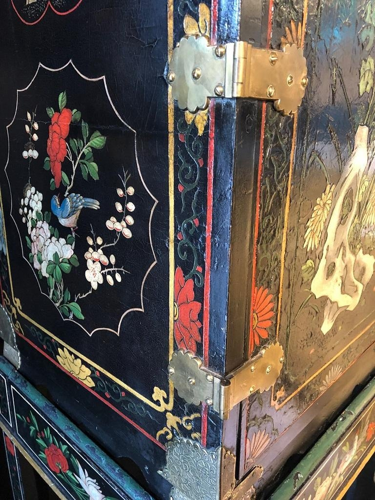 18th Century Black Lacquered Brass and Chinese Coromandel Cabinet on Stand In Good Condition For Sale In Armadale, Victoria