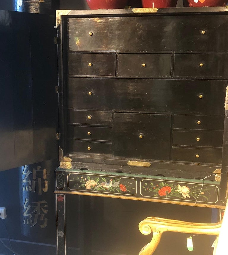18th Century Black Lacquered Brass and Chinese Coromandel Cabinet on Stand For Sale 1
