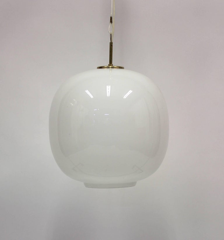 Large Danish Opaline Radiohus Pendant by Vilhelm Lauritzen for Louis Poulsen In Good Condition For Sale In Uppsala, SE