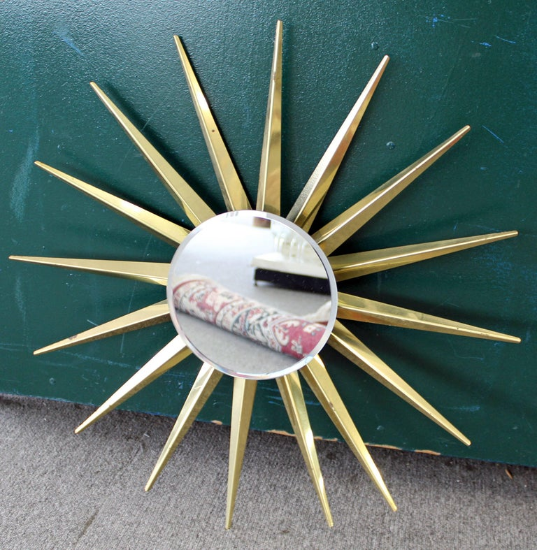 Unknown Mid-Century Modern Brass Beveled Sunburst Mirror For Sale