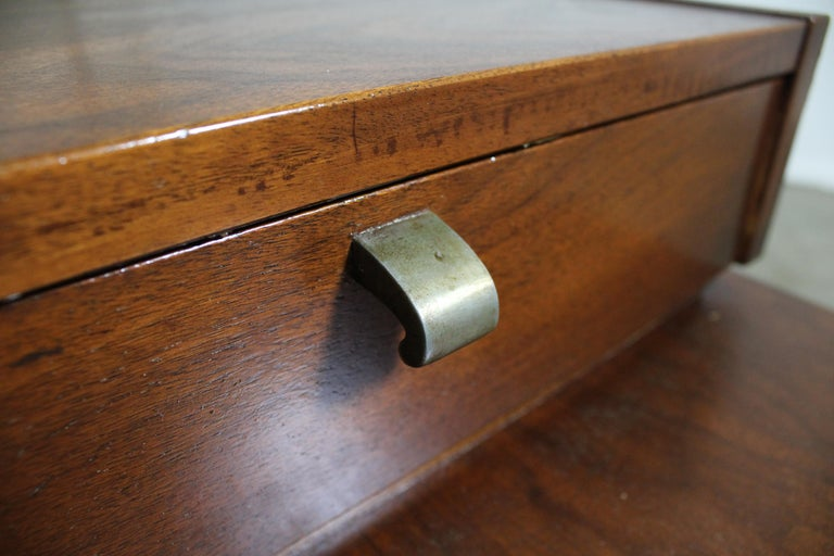 Mid-Century Modern Merton Gershun American of Martinsville Walnut End Table For Sale 5