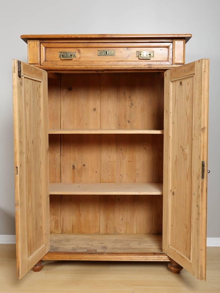 Tall Pine Cabinet, circa 1880 In Excellent Condition For Sale In Chicago, IL