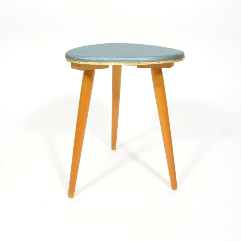 Vintage Tripod Stool from 1960s In Good Condition For Sale In Zbiroh, CZ