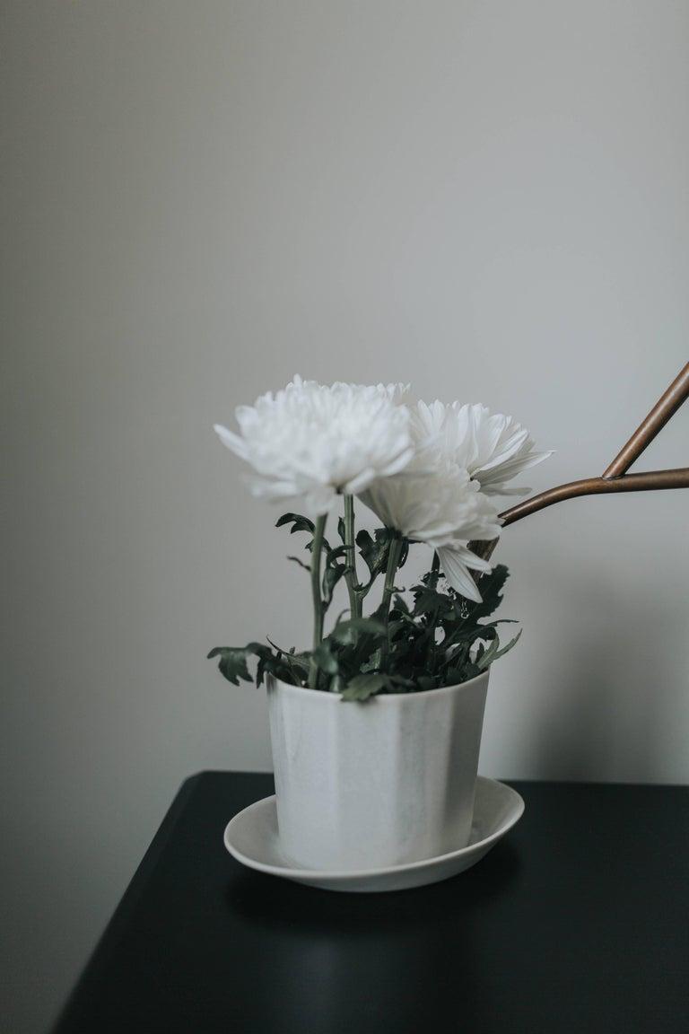 Native Planter White Crystal Planter Modern Contemporary Glazed Porcelain For Sale 12