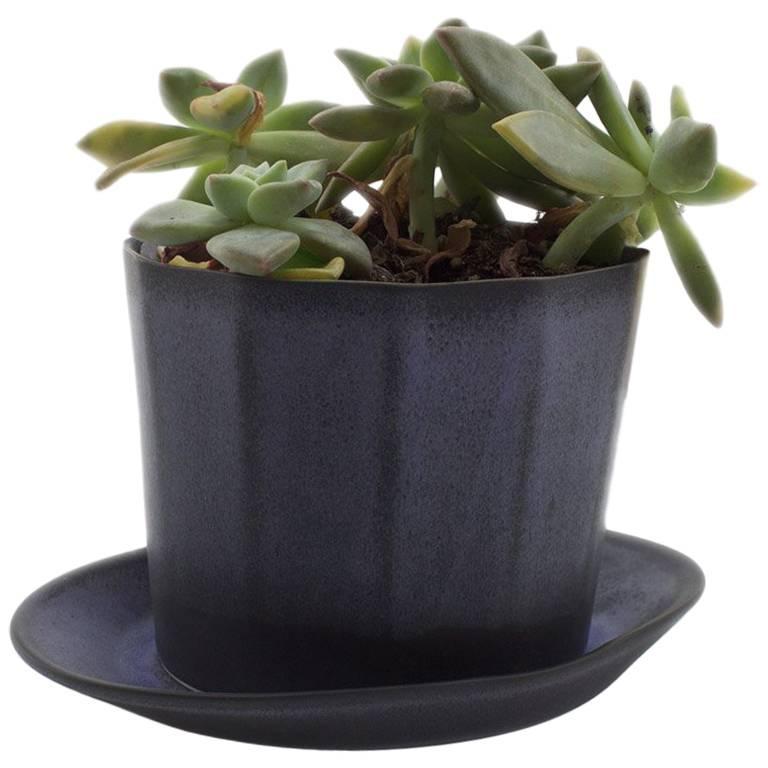 Native Planter Matte Blue Planter Modern Contemporary Glazed Porcelain For Sale 4