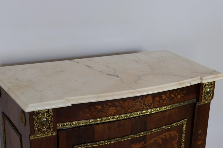 19th Century French Napoleon III Rosewood Inlay Wood Cabinet with Marble Top In Good Condition For Sale In Bosco Marengo, IT