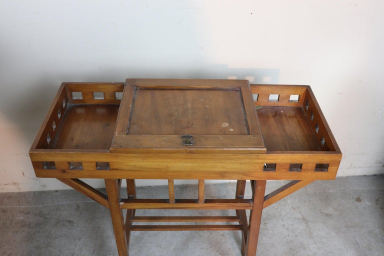 20th Century Italian Art Nouveau Sewing Table or Side Table In Good Condition For Sale In Bosco Marengo, IT