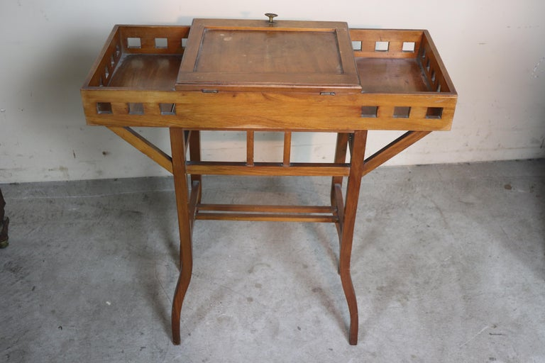 20th Century Italian Art Nouveau Sewing Table or Side Table For Sale 3