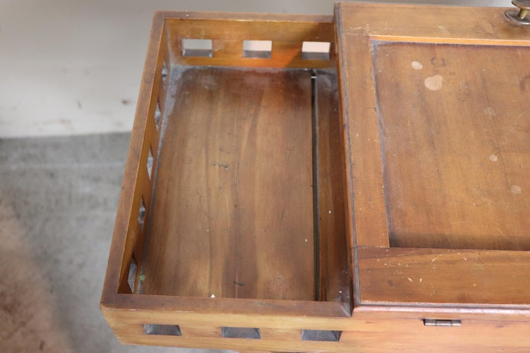 20th Century Italian Art Nouveau Sewing Table or Side Table For Sale 4