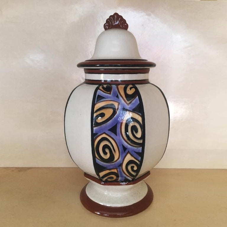 Astonishing French Art Deco vase, 1930s.