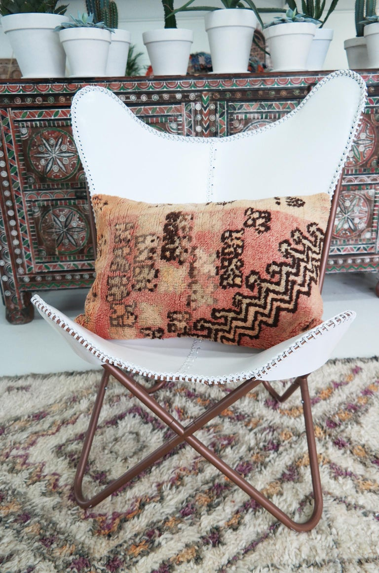 Tapestry Decorative Pillow  Moroccan Bohemian Cushion  Tribal Throw Pillow In Good Condition For Sale In Zaandam, NL
