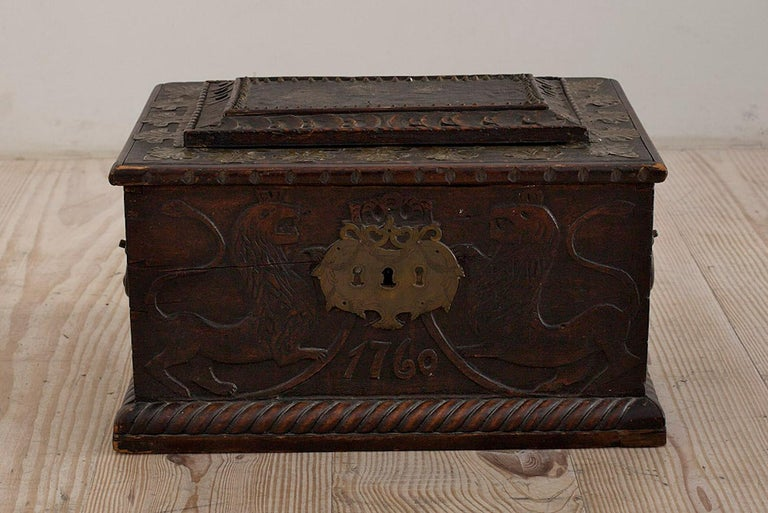 Baroque Box with Interior Paint on Stand, Origin Norway, Dated 1760 For Sale 5