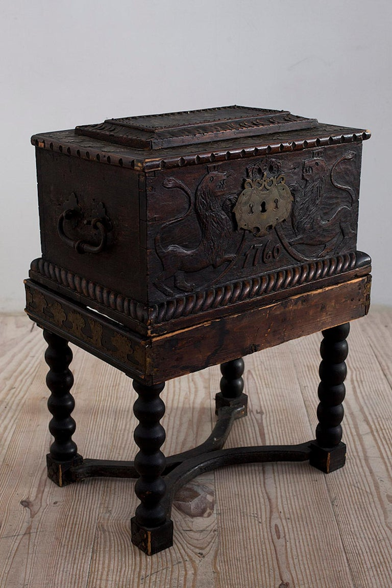 Baroque Box with Interior Paint on Stand, Origin Norway, Dated 1760 For Sale 7