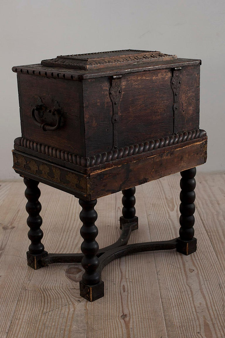 Baroque Box with Interior Paint on Stand, Origin Norway, Dated 1760 For Sale 3
