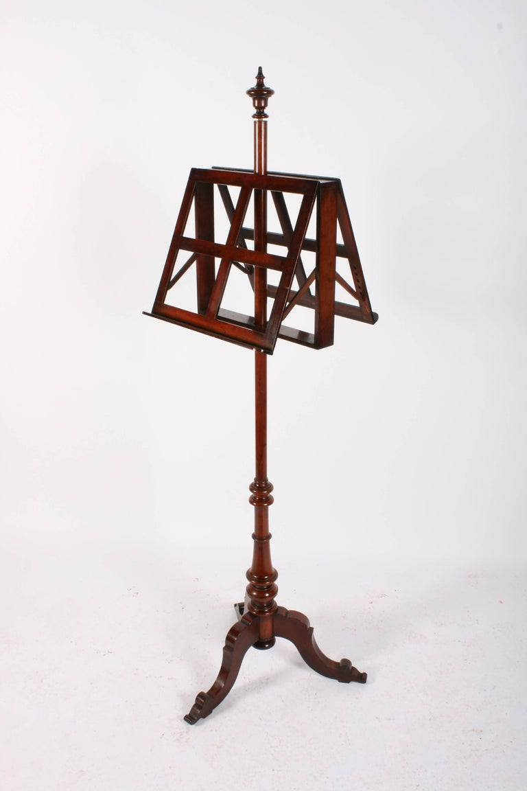 Late 19th Century Victorian Mahogany Duet Music Stand, circa 1870 For Sale
