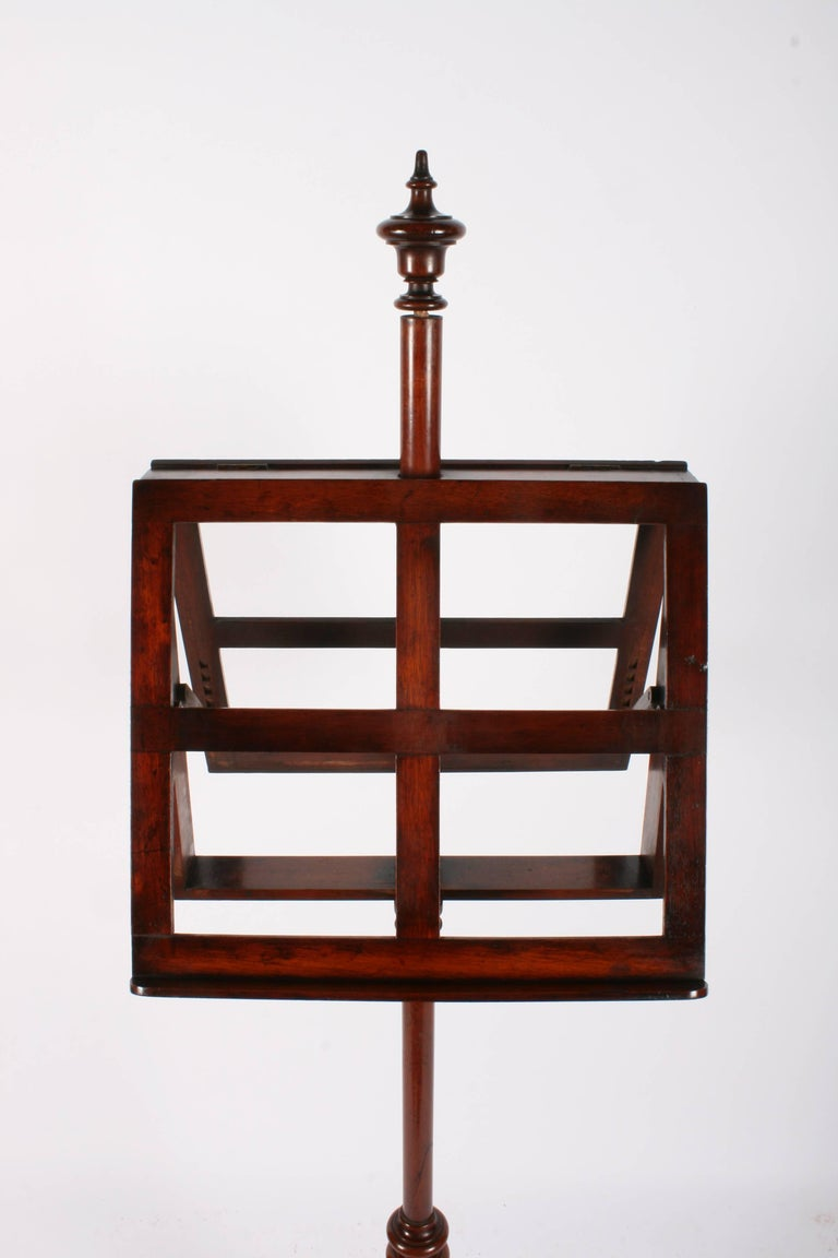 Victorian Mahogany Duet Music Stand, circa 1870 For Sale 3