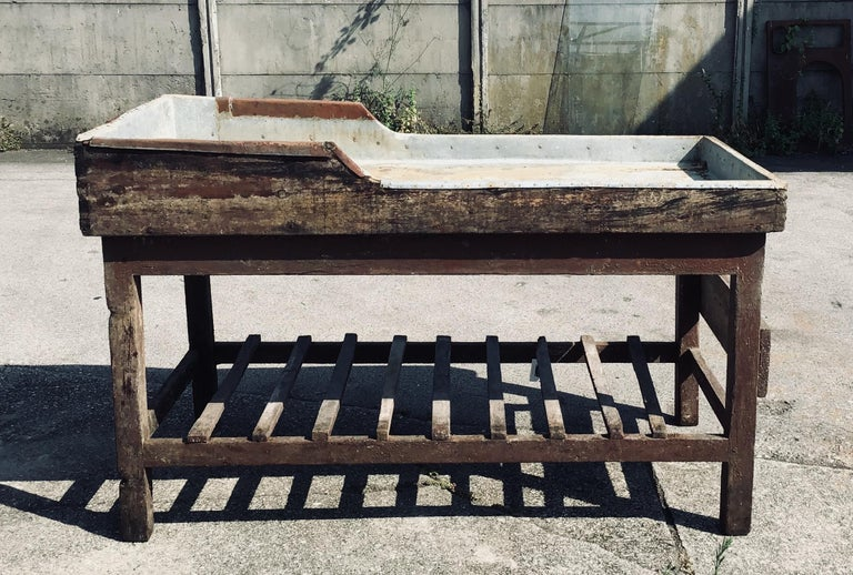 Italian Butcher Counter with Zinc Top and Wood Base from 1950s In Good Condition For Sale In Florence, IT