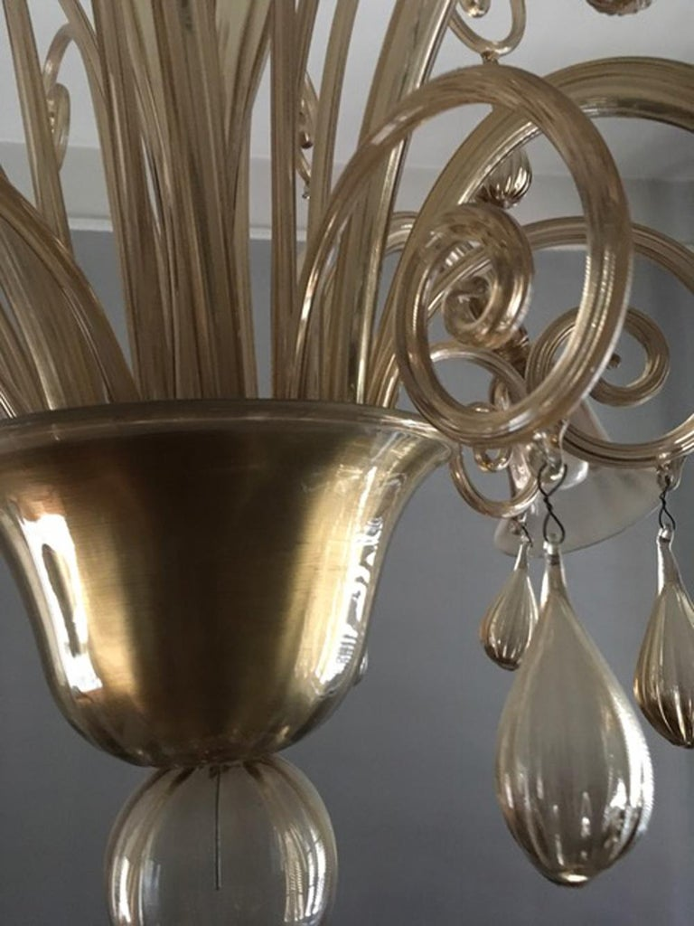 Murano Blown Glass Chandelier Light Gold Color Eight Lights Neoclassic, 1960s For Sale 4