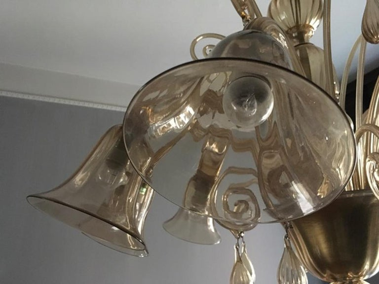Murano Blown Glass Chandelier Light Gold Color Eight Lights Neoclassic, 1960s For Sale 10