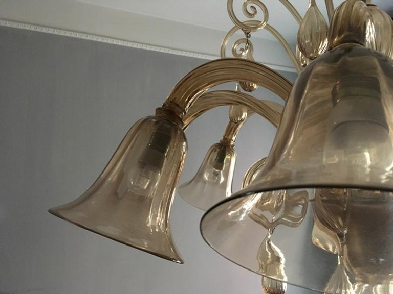 Murano Blown Glass Chandelier Light Gold Color Eight Lights Neoclassic, 1960s For Sale 11