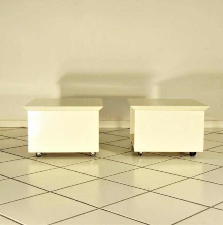 Italian Claudio Salocchi 1975 Set of Two Nightstands Sand Glossy Lacquer 45° Cut Sormani For Sale