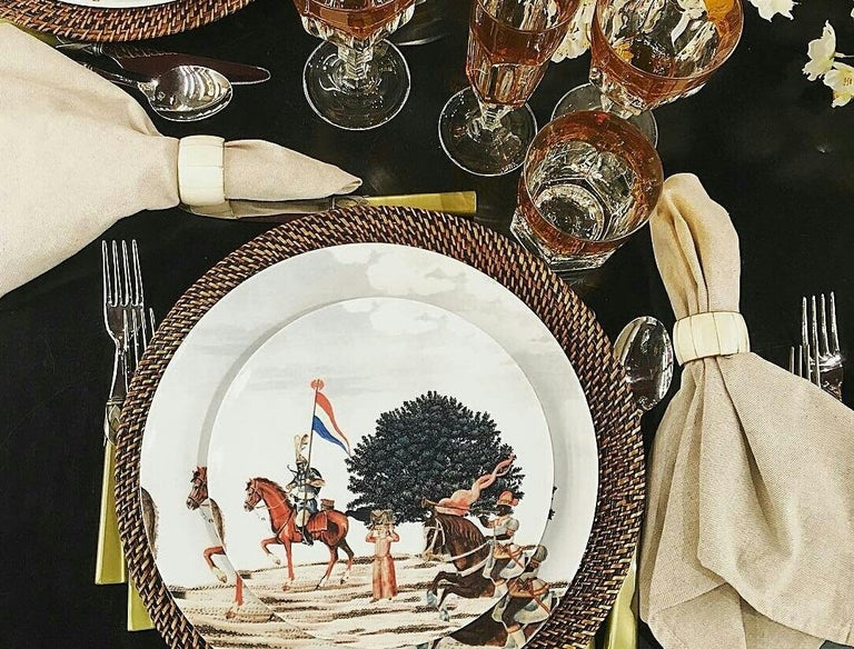 Contemporary Corteo Porcelain Set of 12 Dinner Plates Made in Italy For Sale