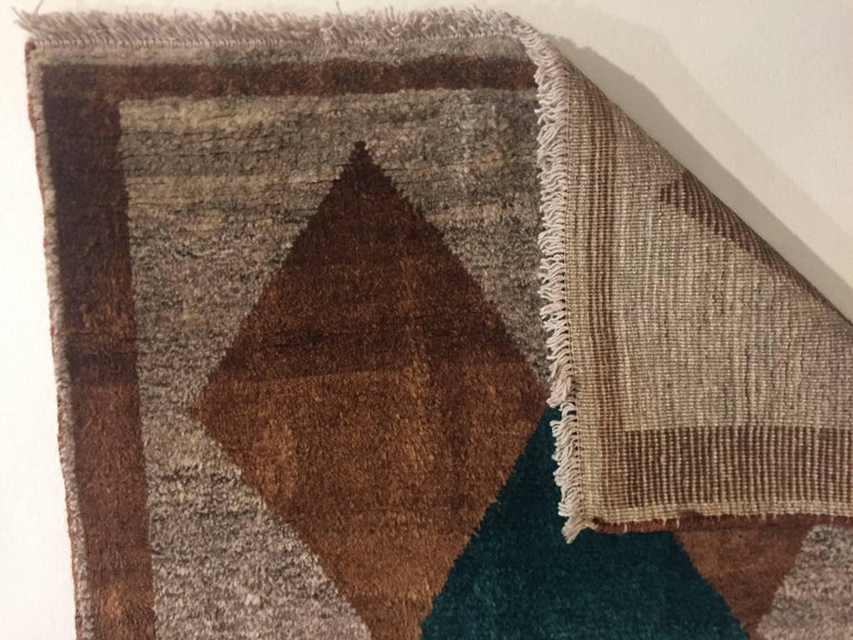 1970s Gabbeh Rug Hand-Knotted in Wool Brown and Green In Excellent Condition For Sale In Firenze, IT