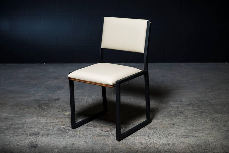 Shaker Modern Chair by Ambrozia, Walnut, Black Steel, Cream Premium Vinyl In New Condition For Sale In Drummondville, Quebec