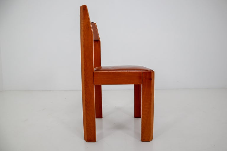 Set of Four Elm Wood and Leather Dining Chairs in the Style of Pierre Chapo For Sale 5
