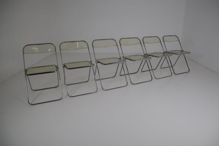 Set of 48 Green Lucite Plia Chairs by Giancarlo Piretti for Castelli, 1970s In Good Condition For Sale In Almelo, NL