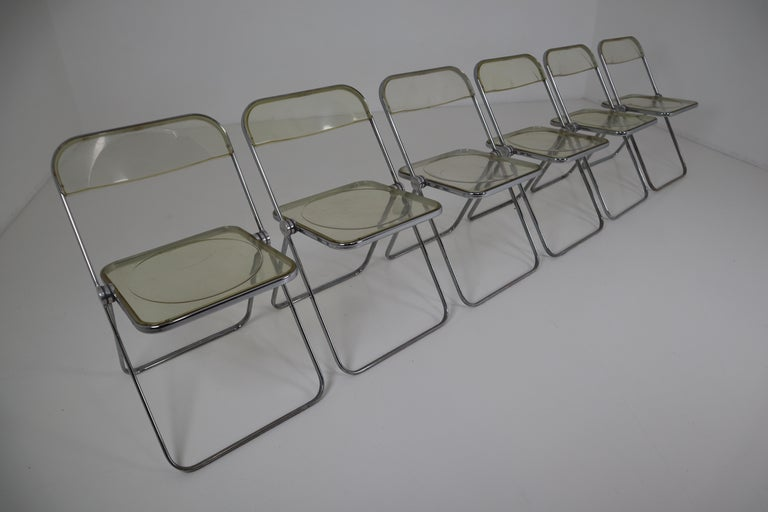 Set of 48 Green Lucite Plia Chairs by Giancarlo Piretti for Castelli, 1970s For Sale 3