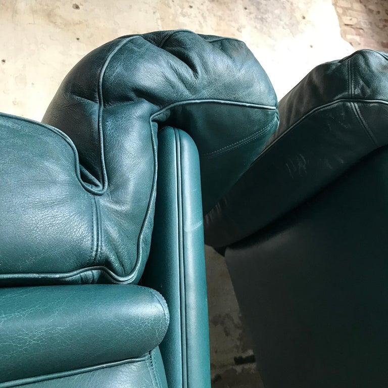 Pair of Midcentury Lounge Chairs by Poltrona Frau, Italy, 1970s For Sale 3