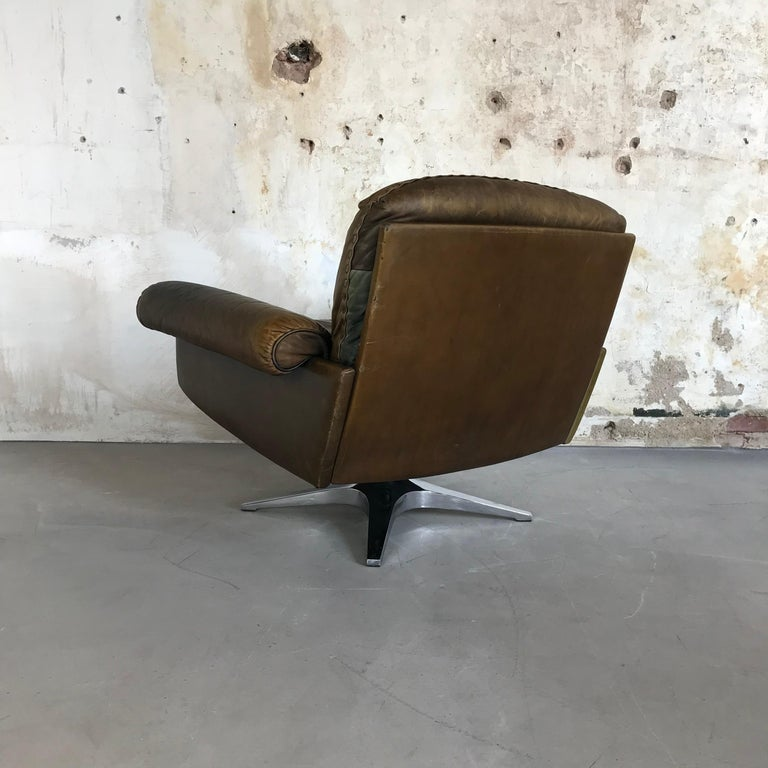 Midcentury Patinated Swivel Lounge Chair DS 31 by De Sede, 1970s In Good Condition For Sale In Enschede, NL