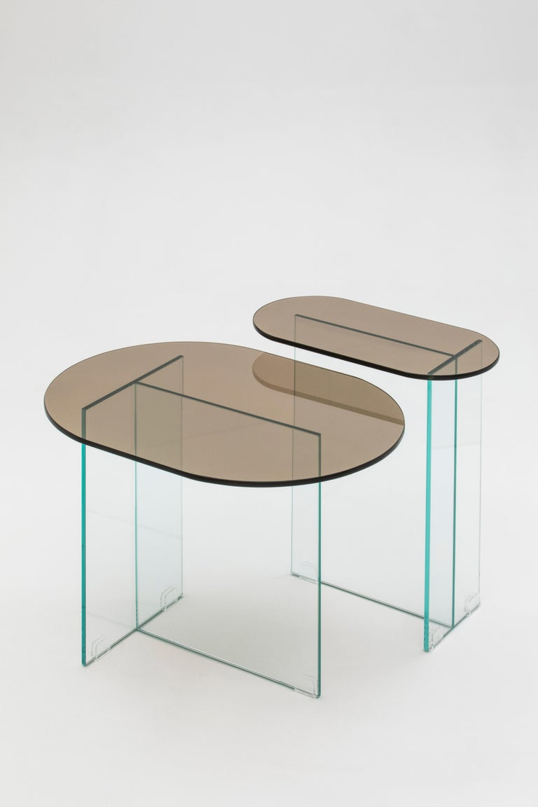 Vetro Collection The wonderful city of Rio de Janeiro was the starting point for the design of the Vetro Line, shapes that resemble surfboards, the top floats on the transparent base almost invisible. With a retro influence, mainly of the decor in