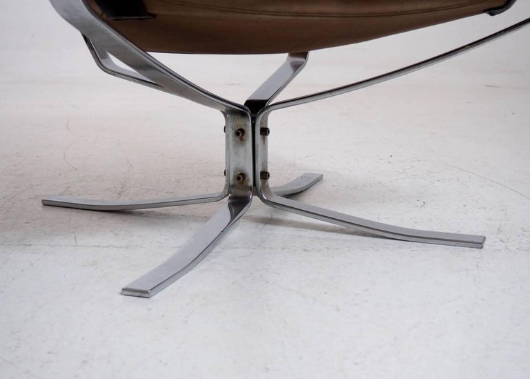 Scandinavian Modern Set of Two Falcon Chairs by Sigurd Resell for Vatne Møbler in Sweden For Sale